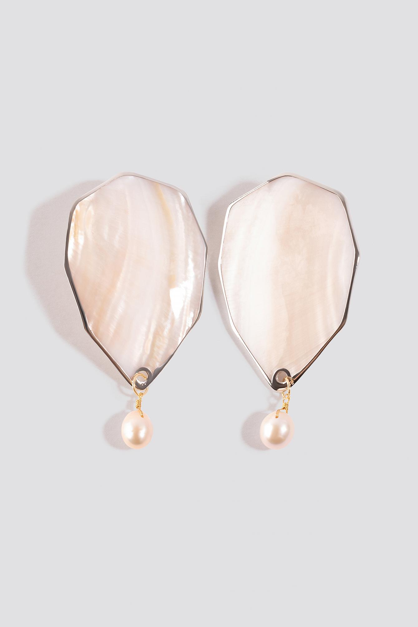 na-kd accessories -  Shell Pearl Earrings - White