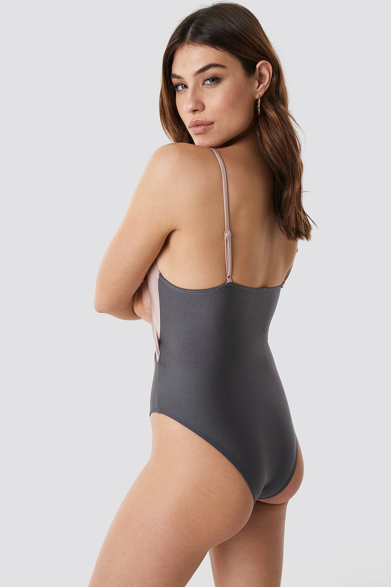 Shiny Cut Out Block Swimsuit NA-KD.COM