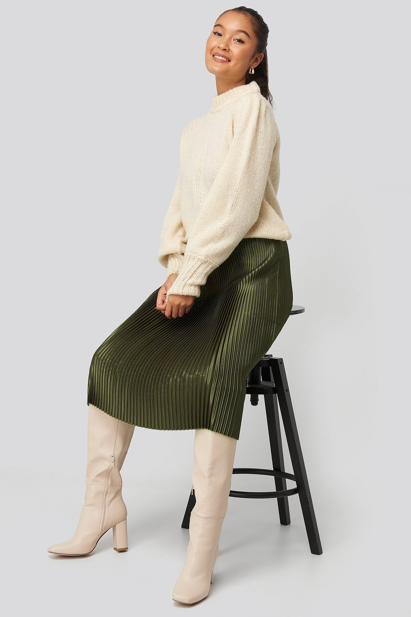 na-kd trend -  Shiny Pleated Skirt - Green