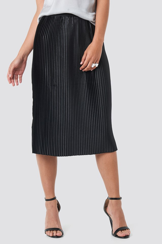 Shiny Pleated Skirt Black