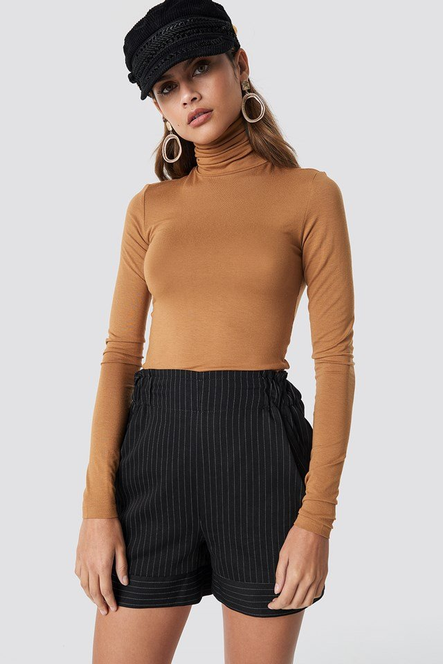 Shirred Waist Striped Shorts Black