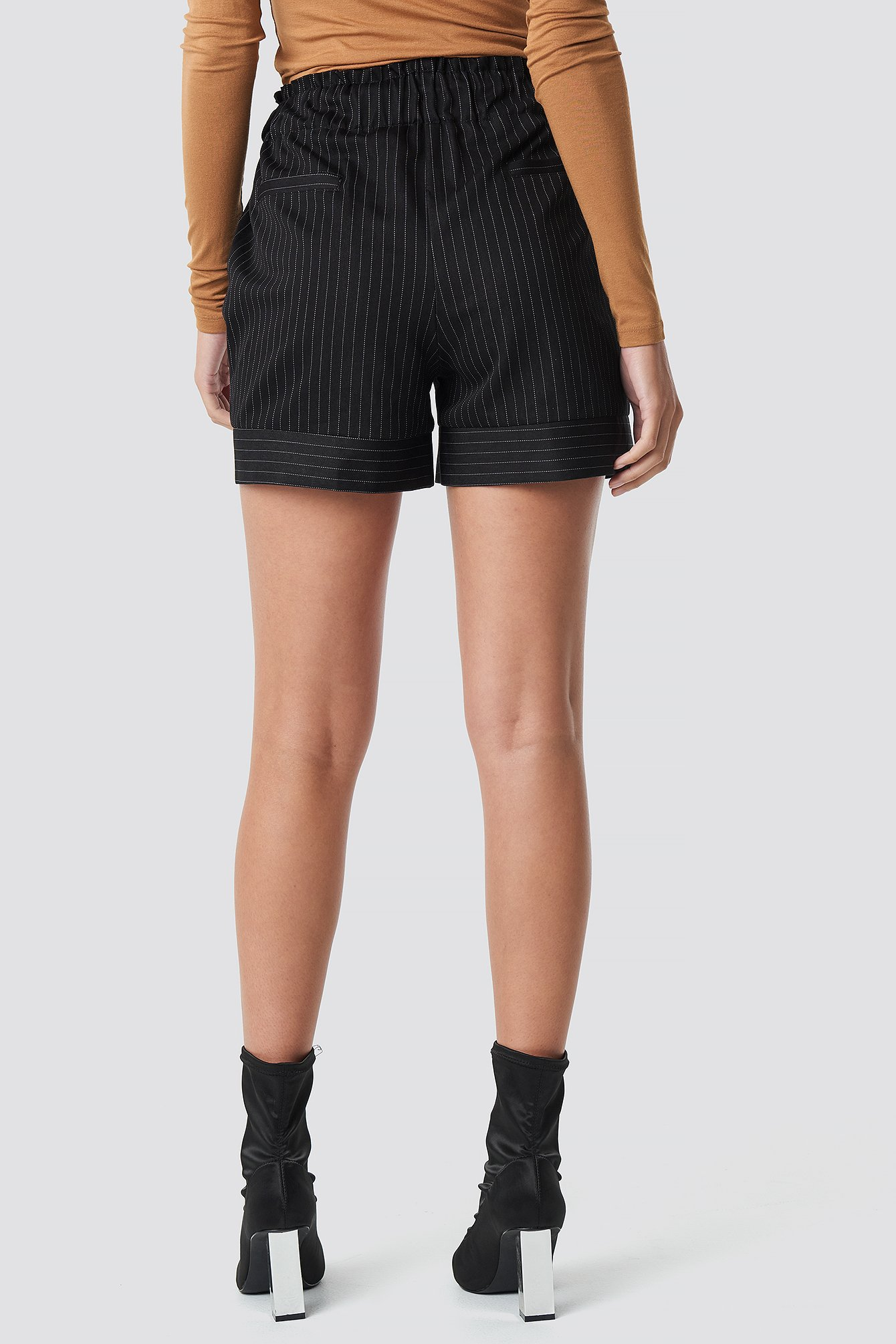 Shirred Waist Striped Shorts NA-KD.COM