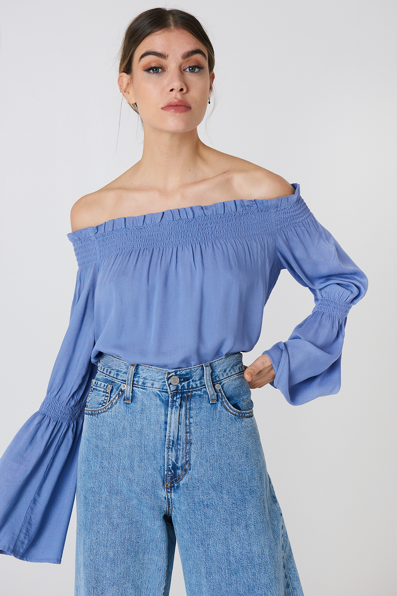 na-kd boho -  Shirred Frill Off Shoulder Top - Blue