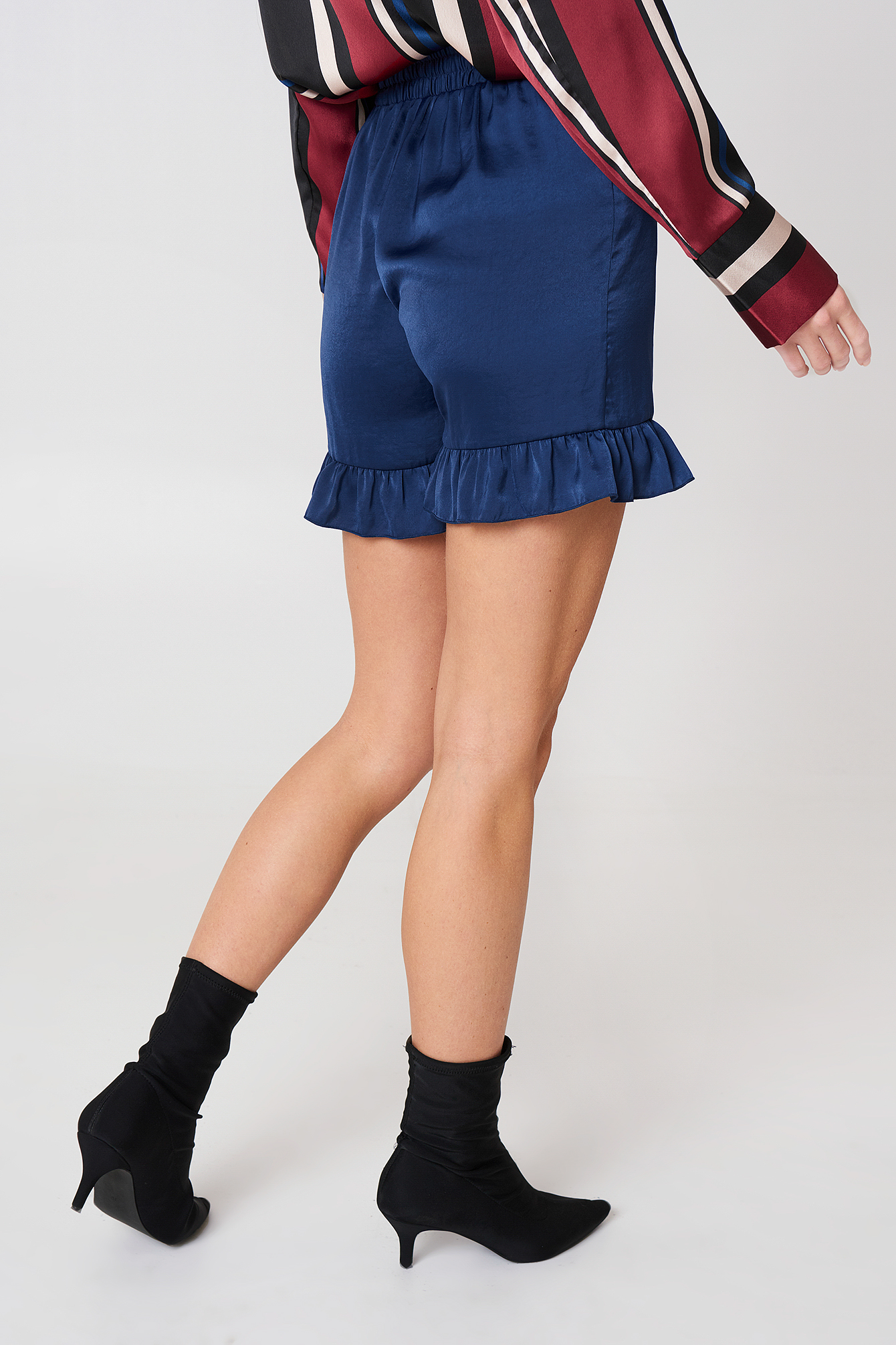 Shirred Waist Frill Shorts NA-KD.COM