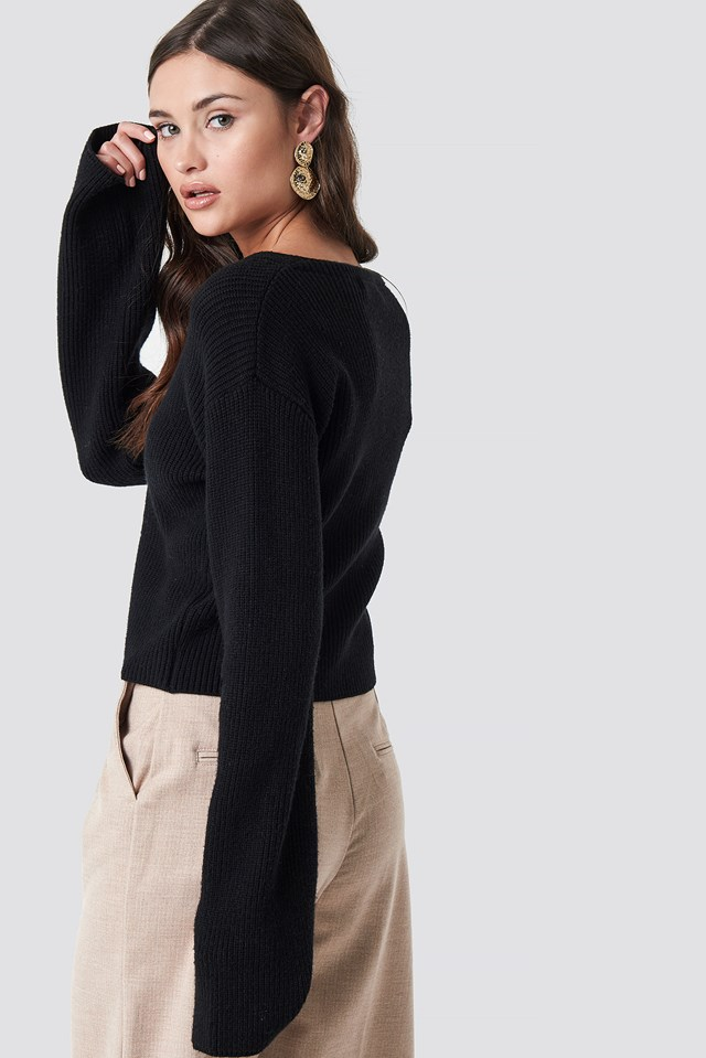 Short Buttoned Knitted Sweater Black