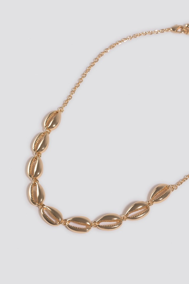 Short Cowrie Shell Necklace Gold