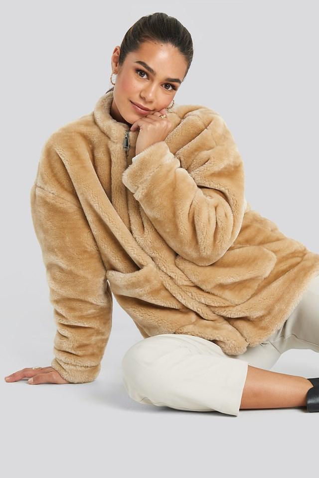 Short Front Pocket Faux Fur Jacket Beige