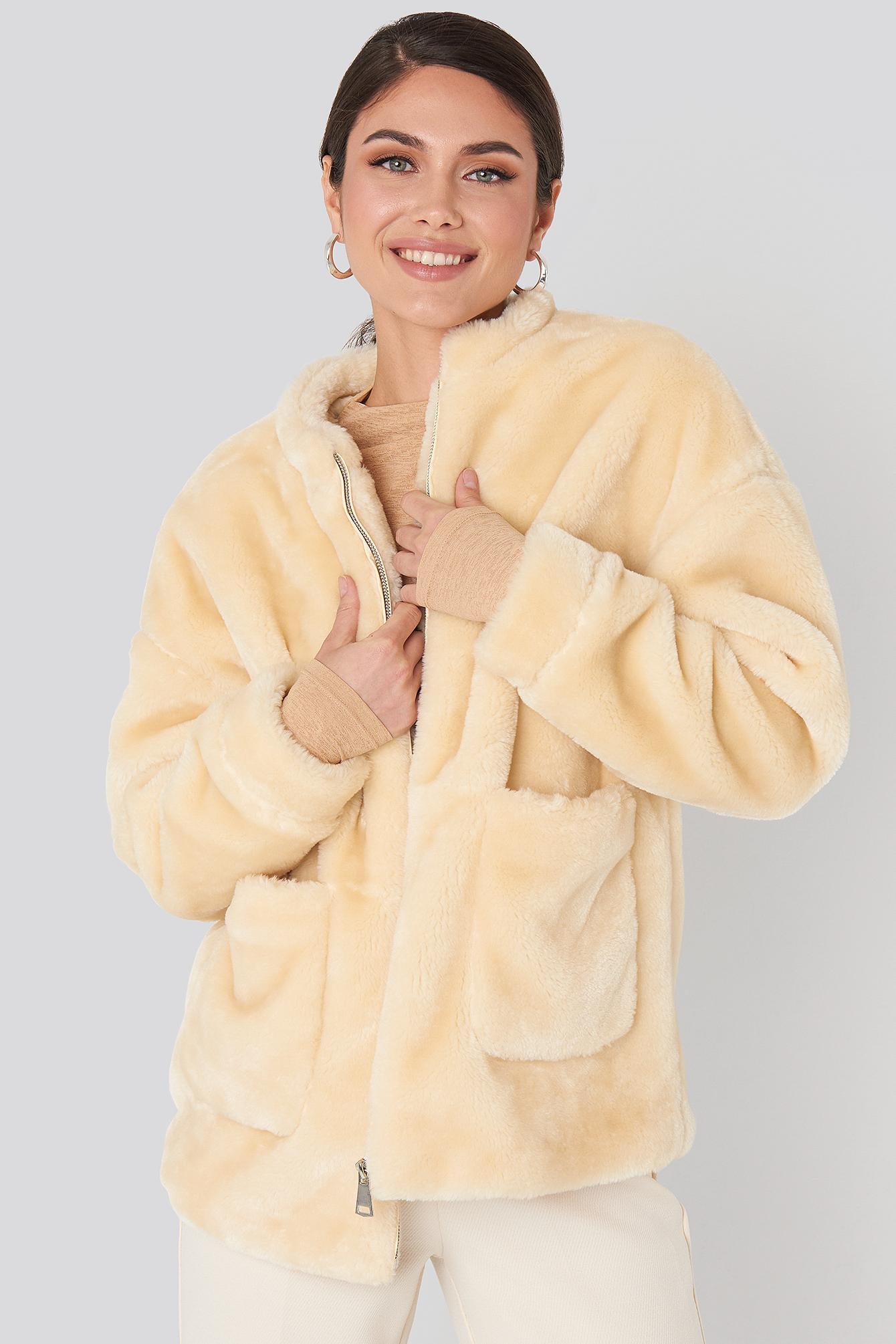 na-kd -  Short Front Pocket Faux Fur Jacket - White