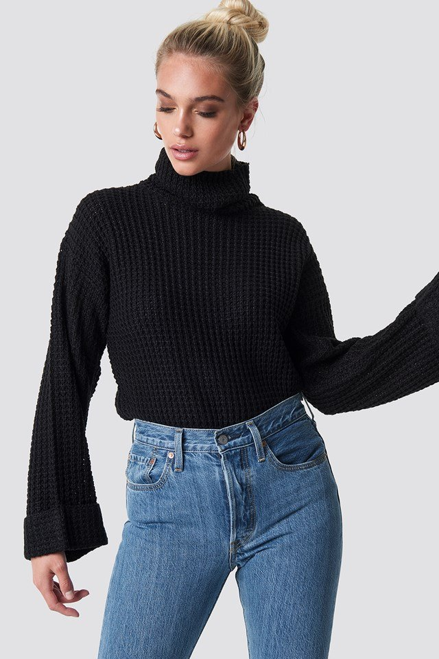 Short Pineapple Knitted Sweater Black