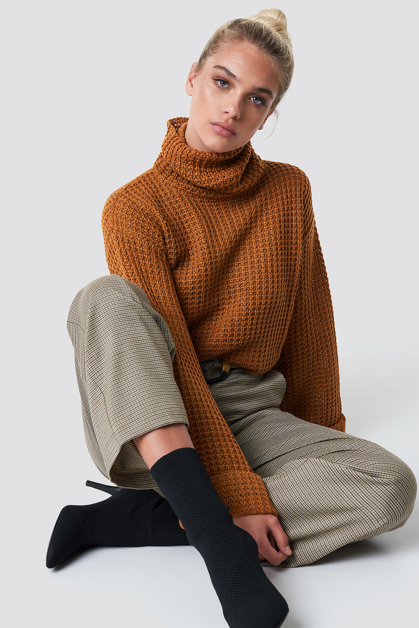 Rust Short Pineapple Knitted Sweater