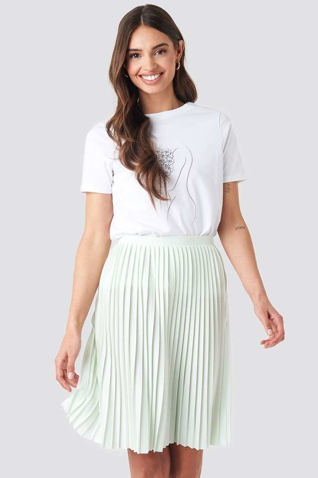 Short Pleated Skirt Pastel Green