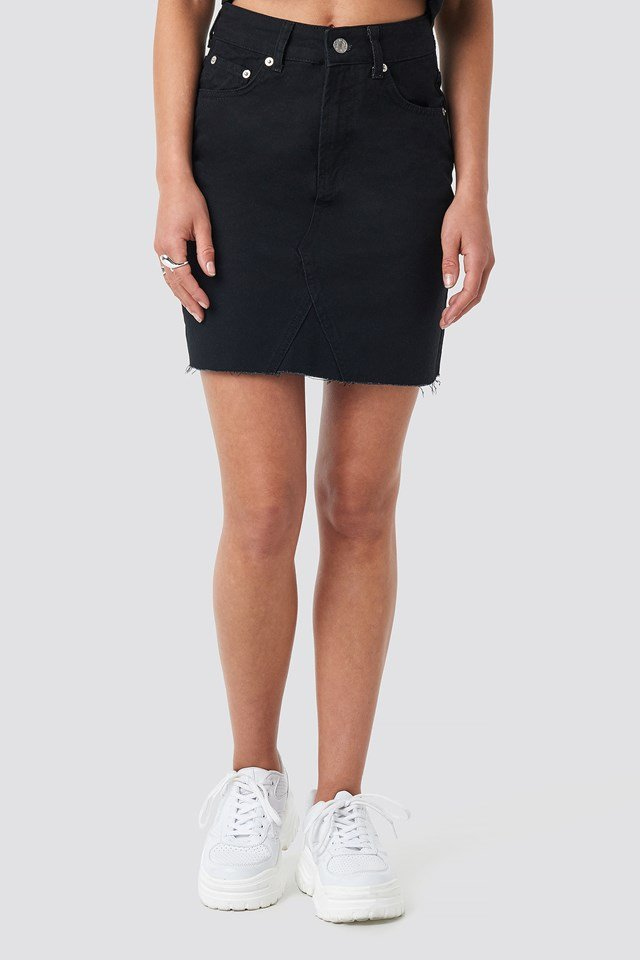 Short Raw Hem Denim Skirt Black