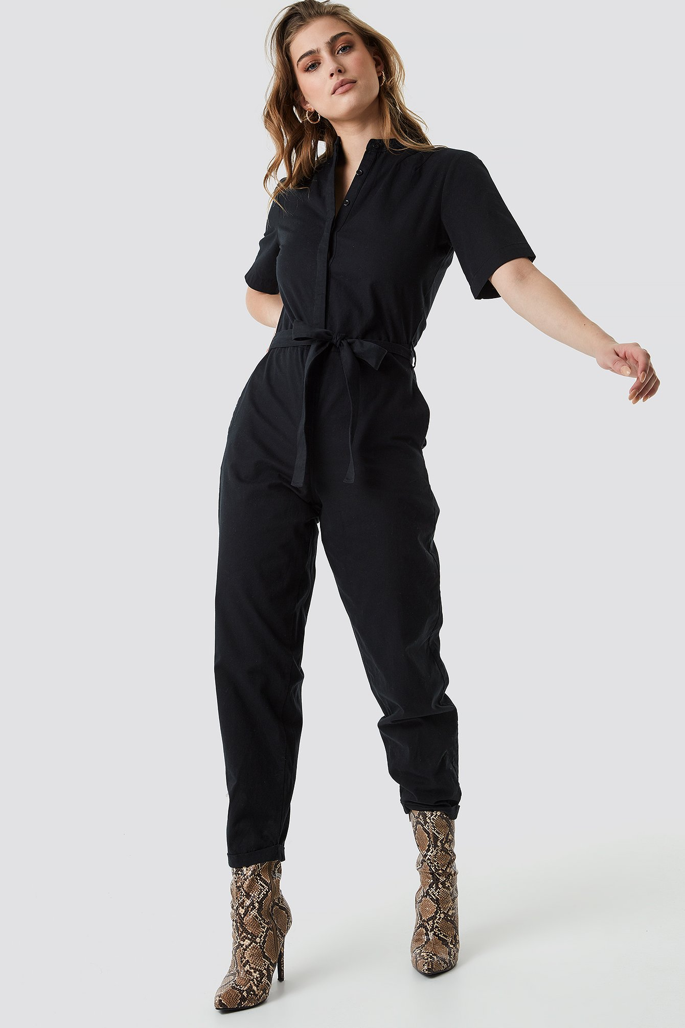 Short Sleeve Button Up Jumpsuit Noir by Na Kd