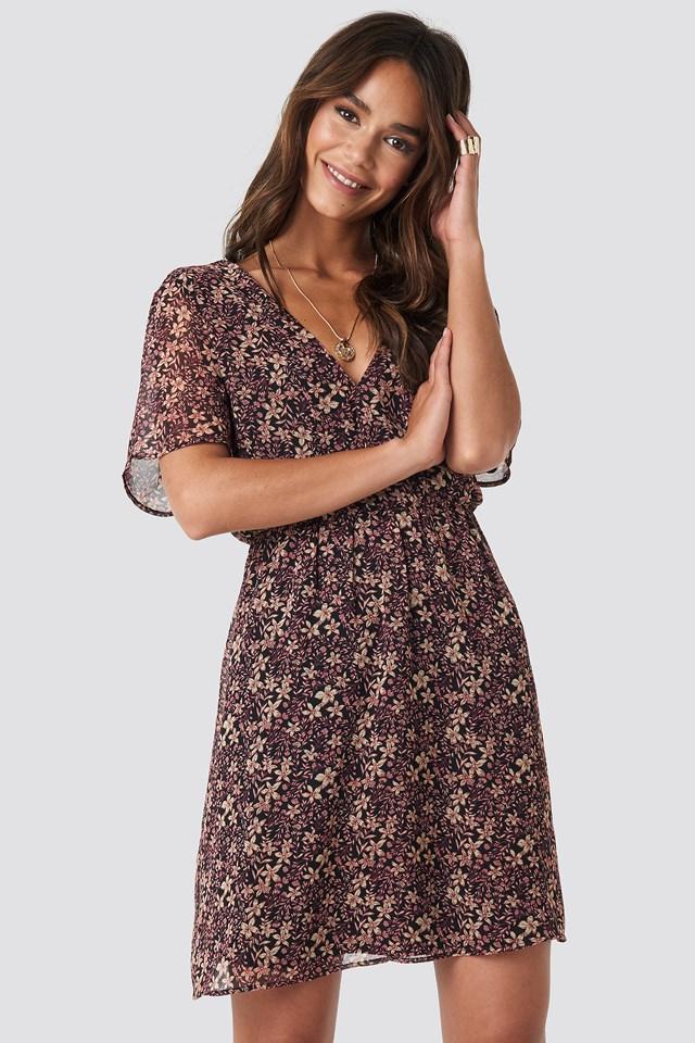 Short Sleeve V-Neck Mini Dress Black Flower Print
