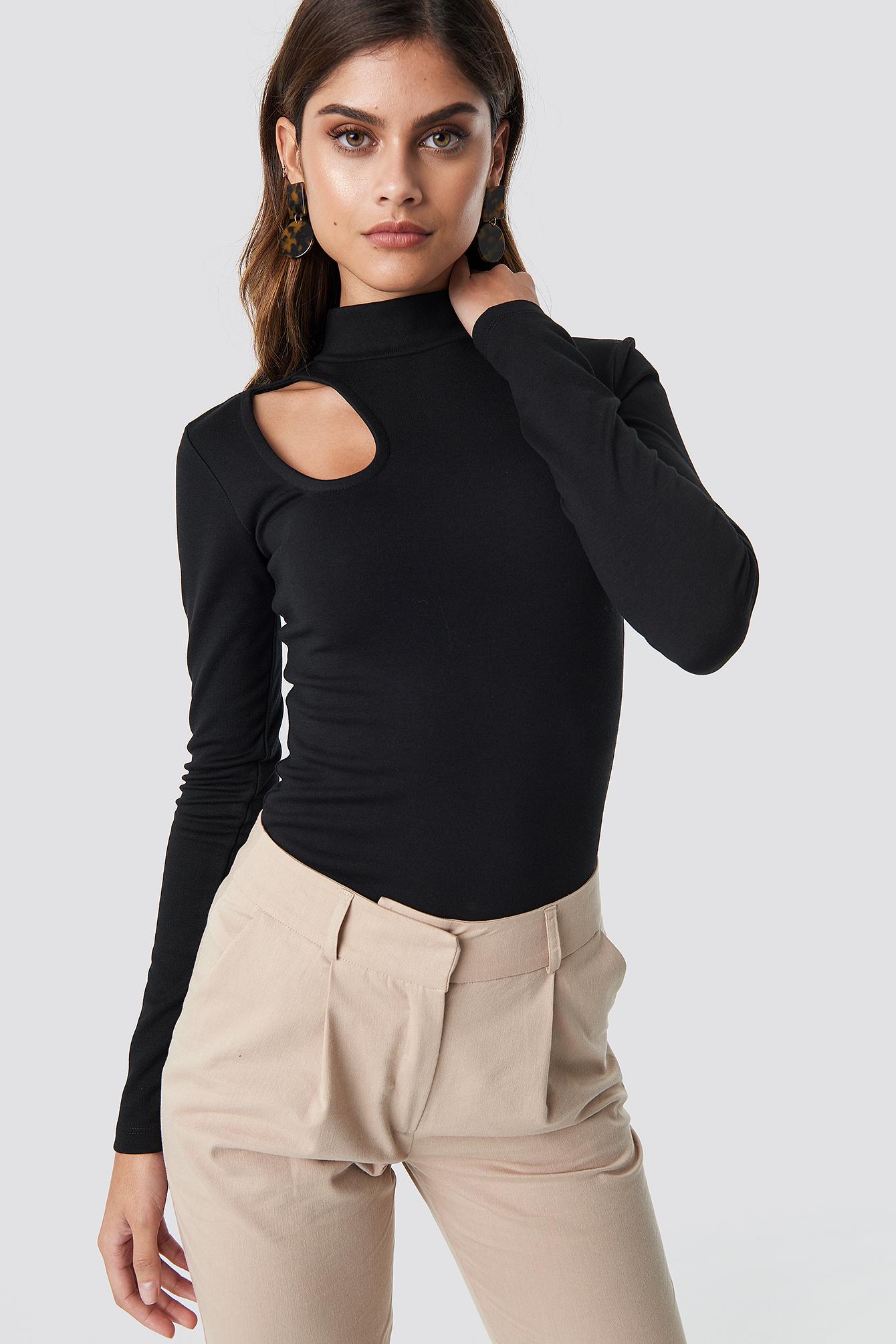 Shoulder Cut Out Top Black | na-kd.com
