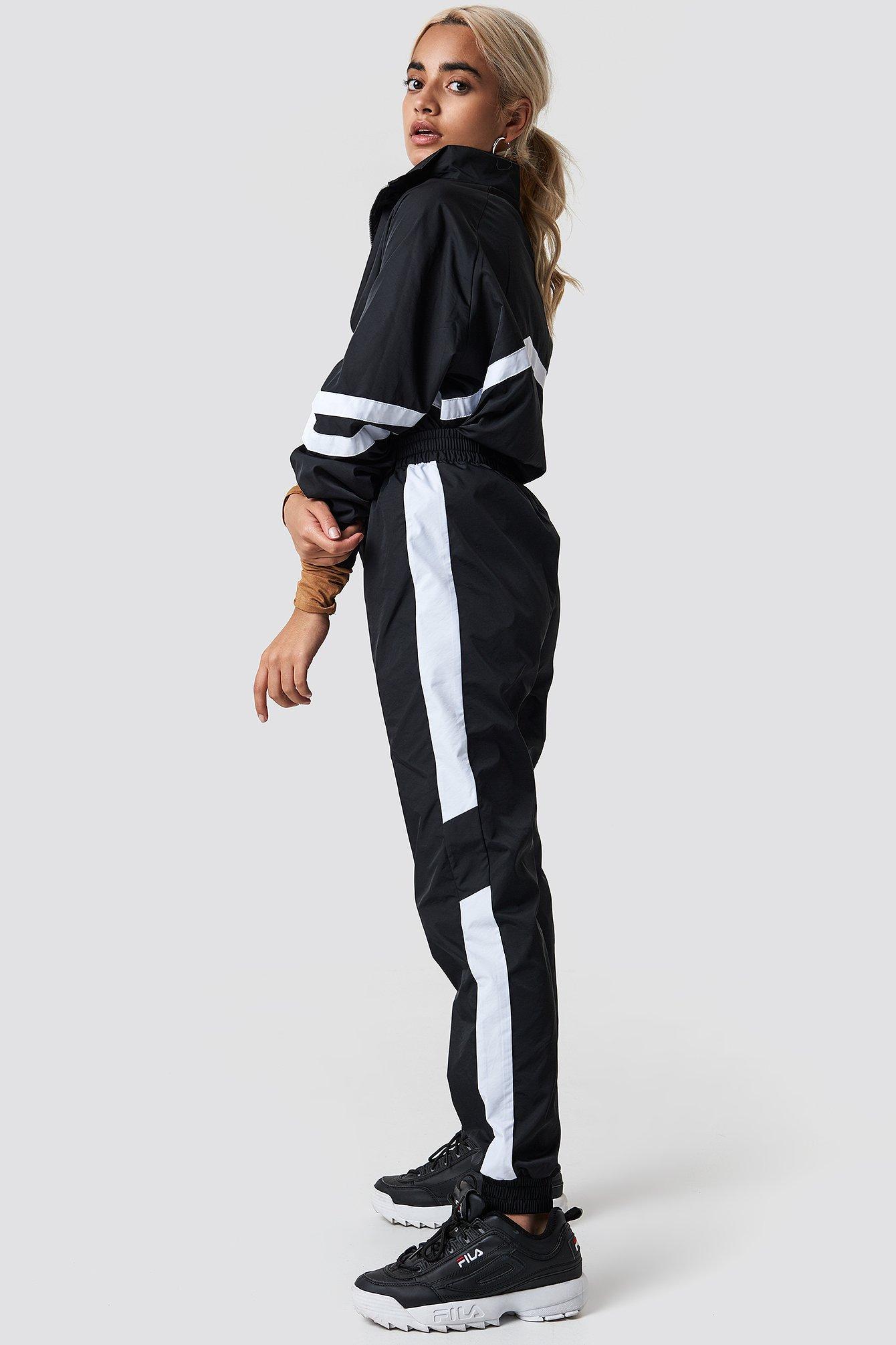NA-KD Side Stripe Tracksuit Pants - Black | Sportbekleidung > Sportanzüge > Trainingsanzüge | NA-KD