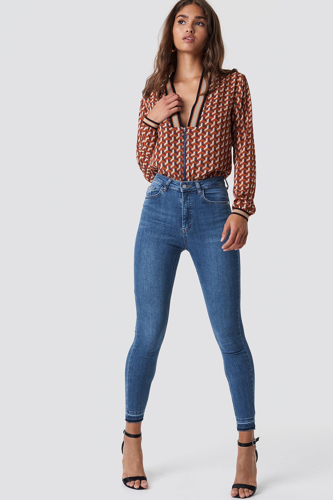 Skinny High Waist Open Hem Jeans Blau by Na Kd