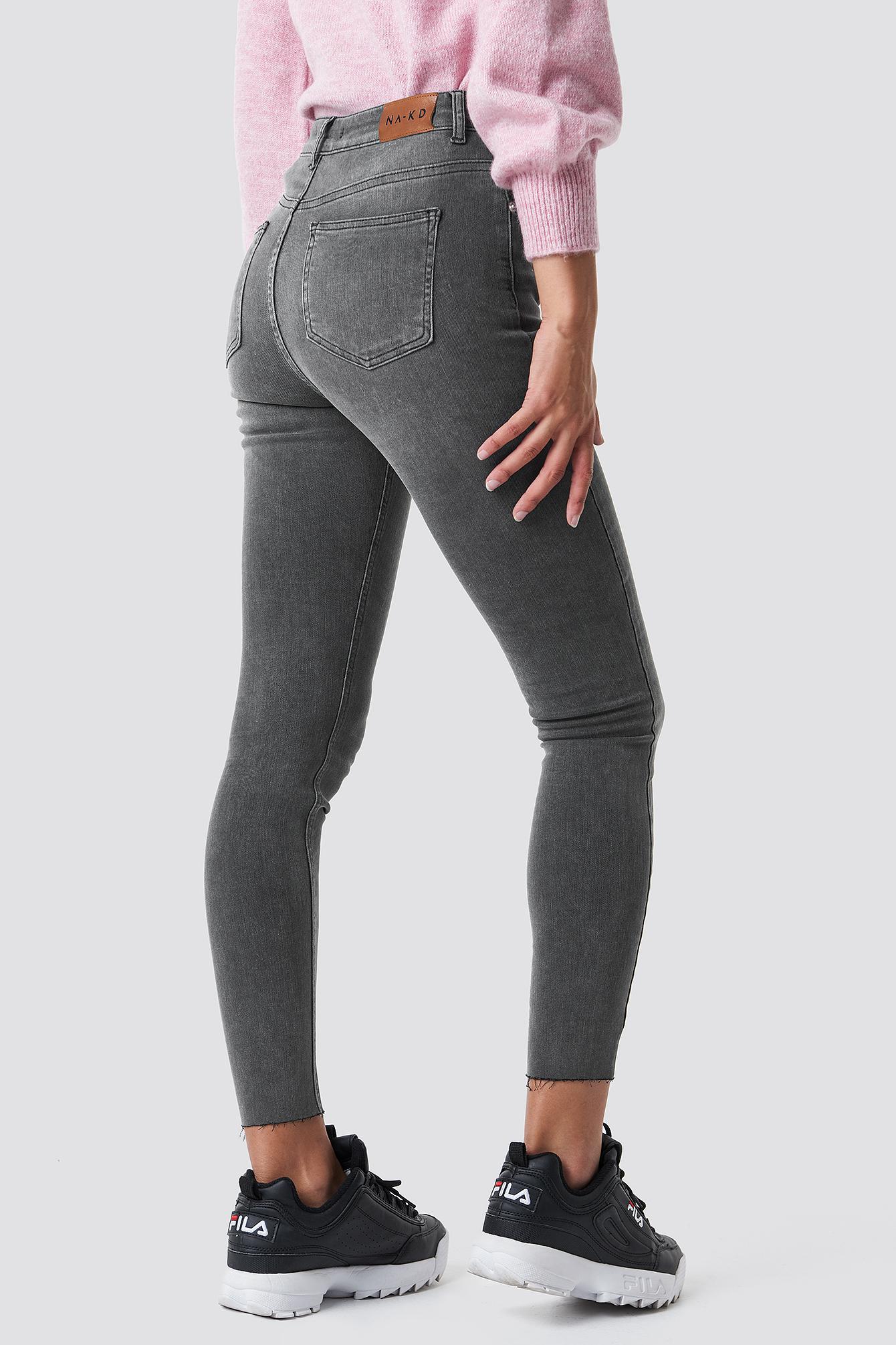 Jeansy Skinny High Waist Raw Hem NA-KD.COM