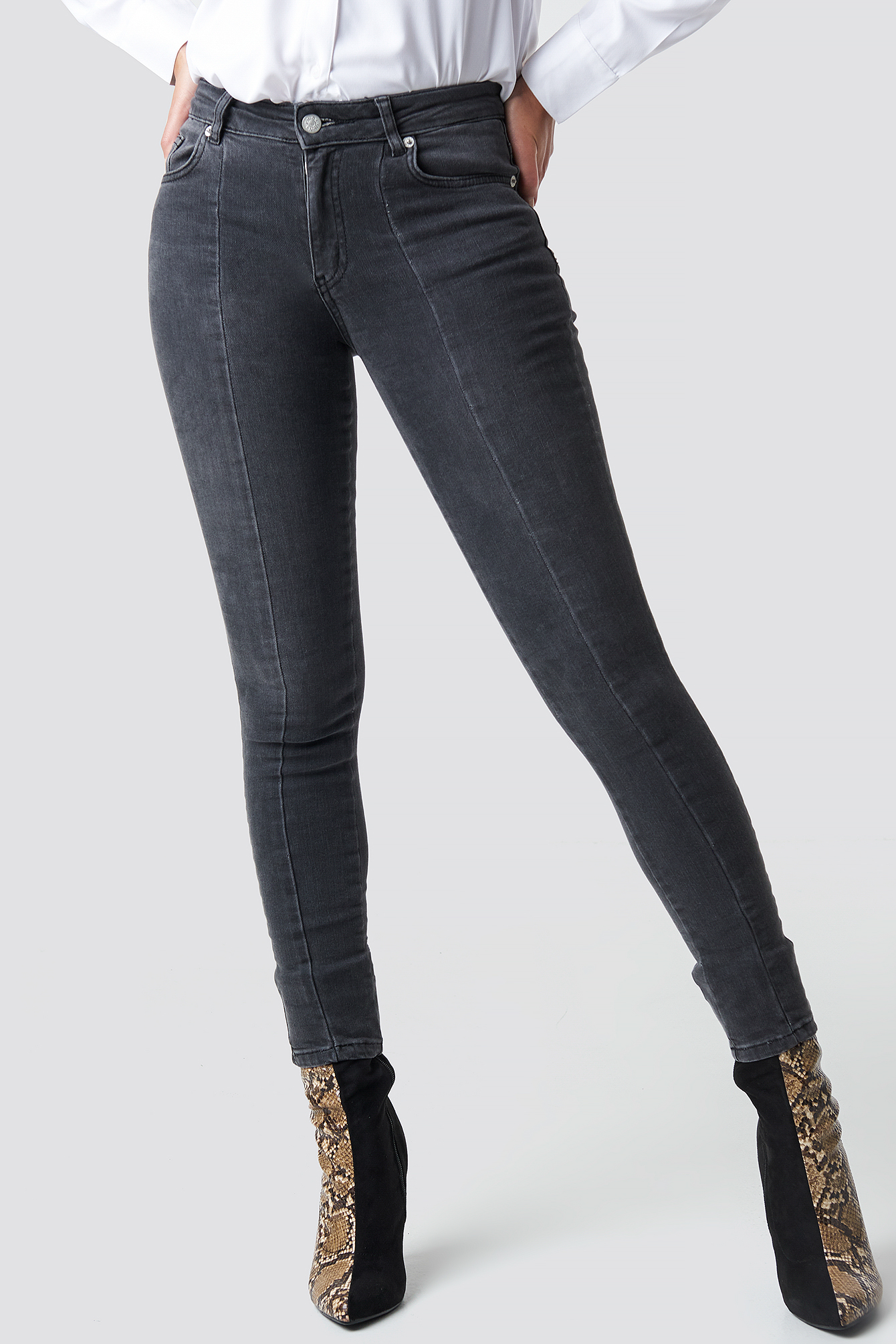 Jeansy Skinny Mid Waist Front Panel NA-KD.COM
