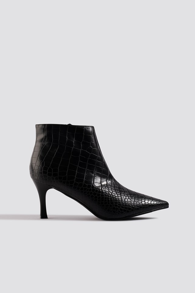 Slanted Pointy Ankle Boots NA-KD Shoes