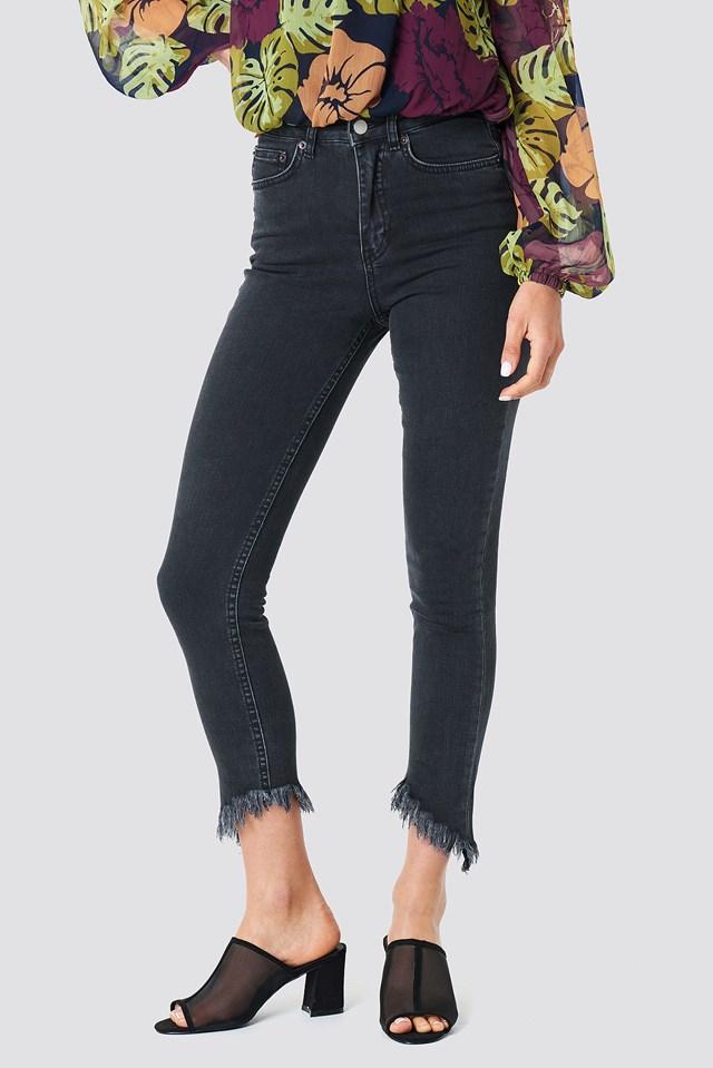 Slanting Hem Jeans Black
