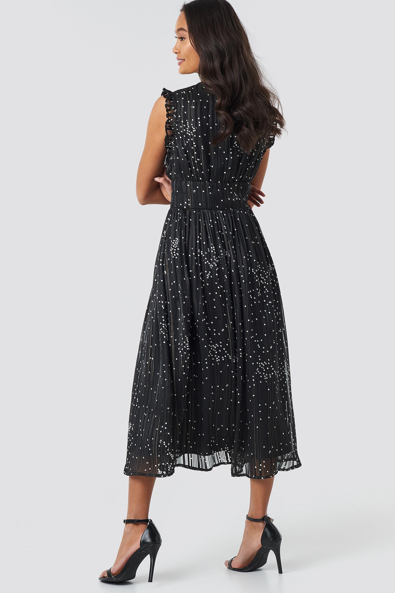 Sleeveless Waistband V-Neck Dress NA-KD.COM