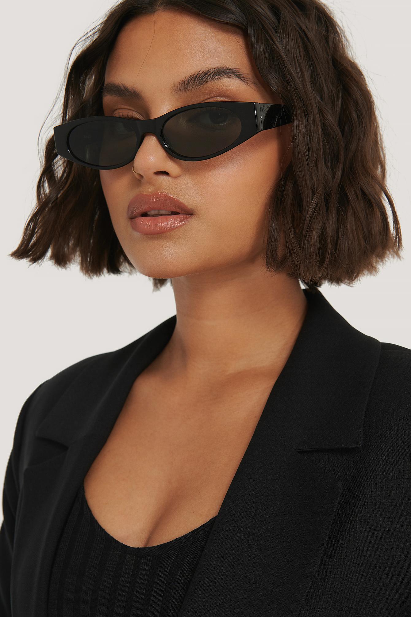 na-kd accessories -  Schmale Sonnenbrille Mit Scharfen Kanten - Black