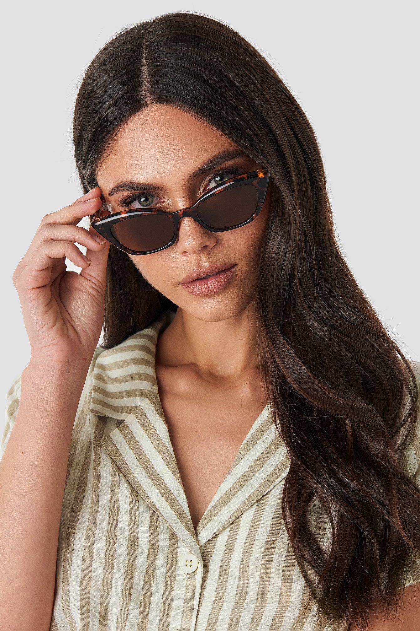 na-kd accessories -  Slim Pointy Cat Eye Sunglasses - Brown