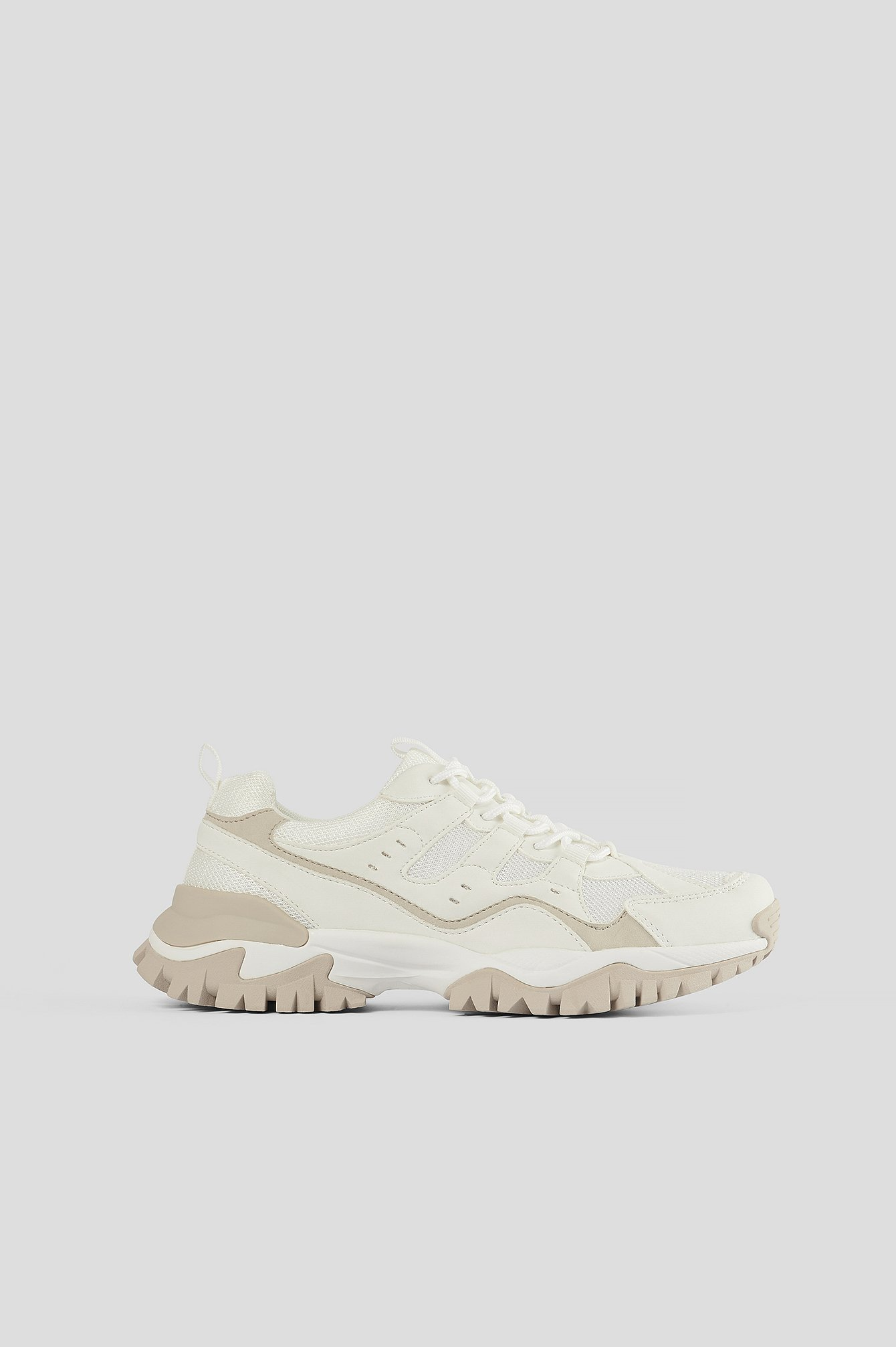 White Slim Trekking Trainers