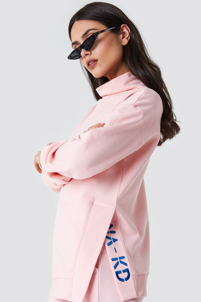 Slit Embroidery Sweatshirt Light Pink