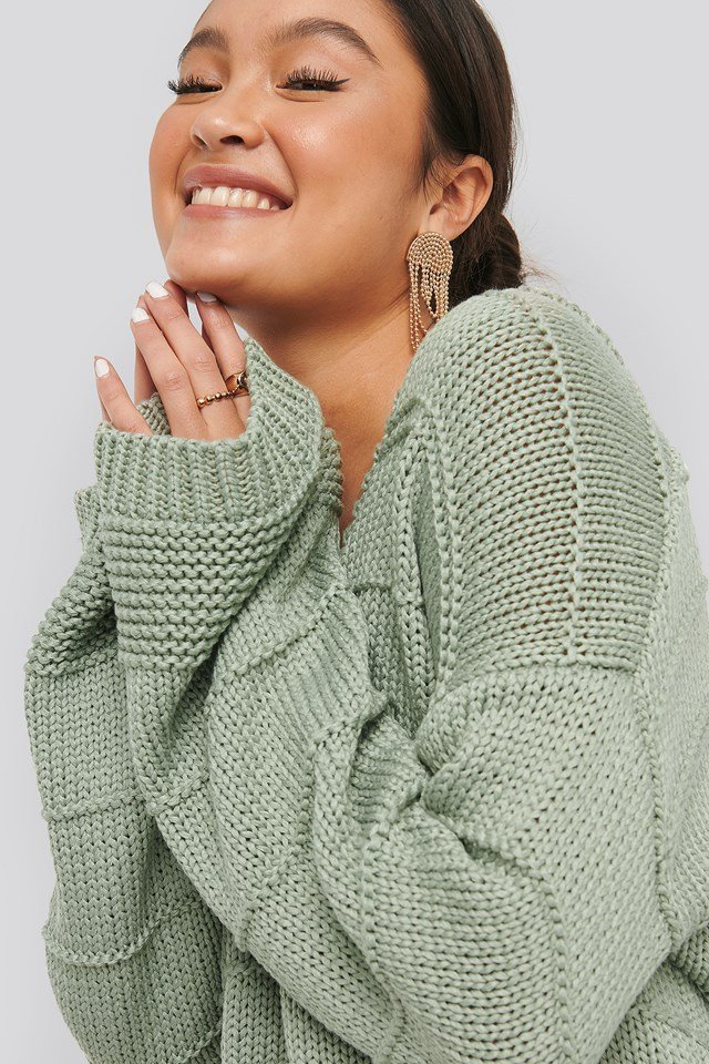 Slouchy V-neck Knitted Sweater Light Khaki