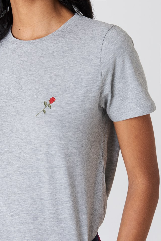 Small Chest Rose Embroidery Tee Grey Melange