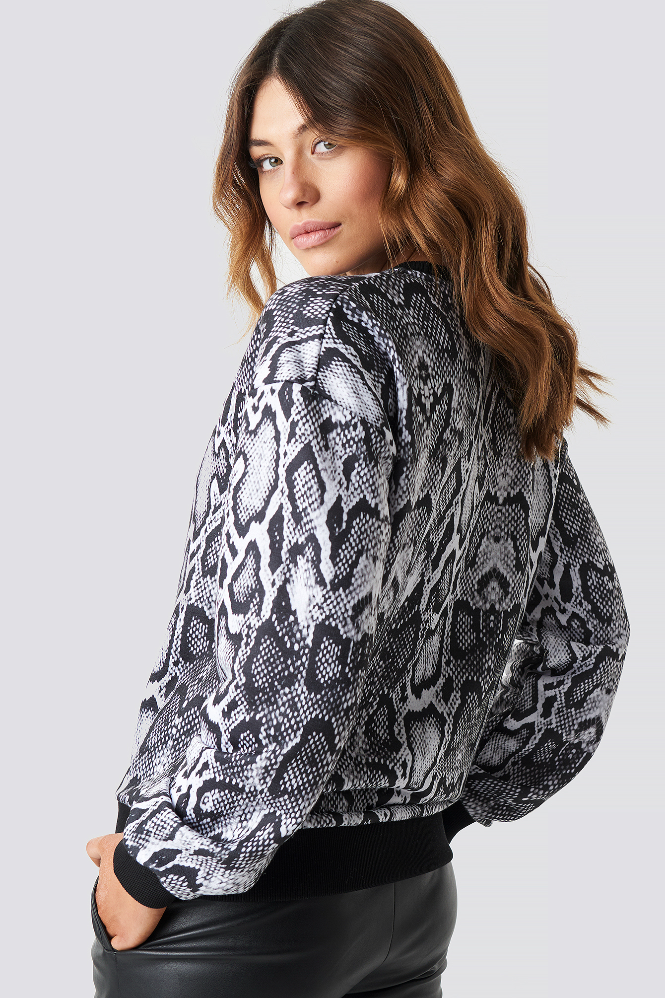 Snake Oversize Sweatshirt NA-KD.COM