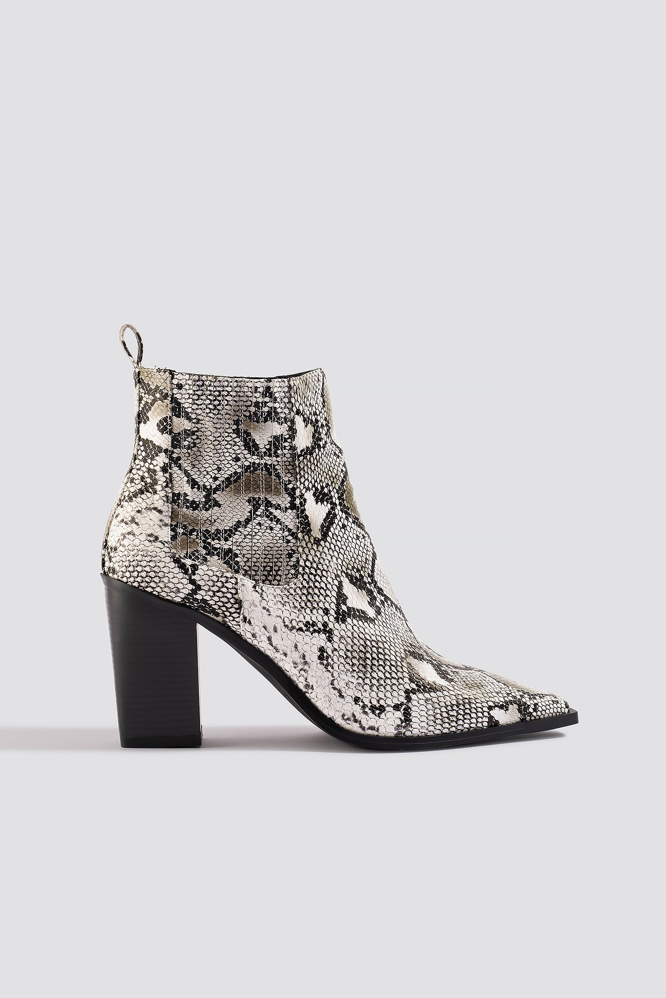 na-kd shoes -  Snake Pointy Western Boots - White