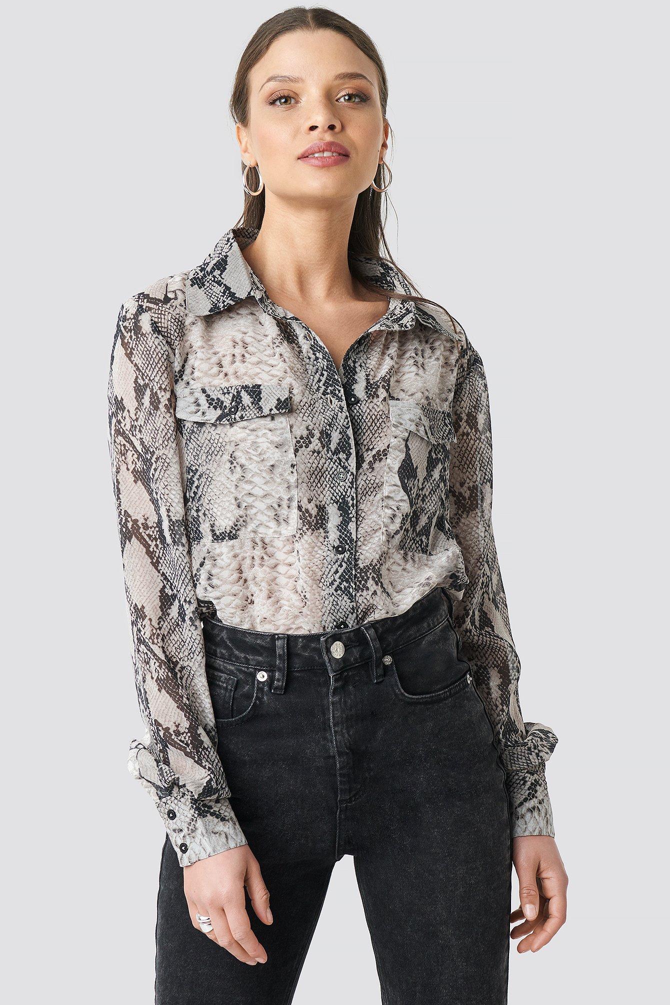 na-kd trend -  Snake Printed Chiffon Shirt - Grey