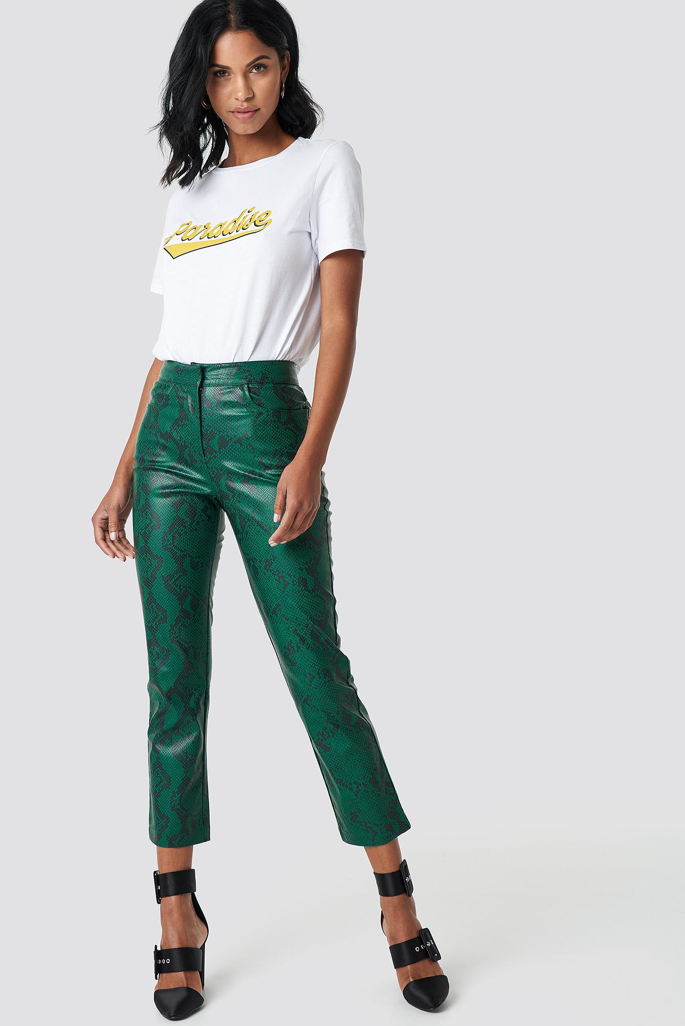 na-kd trend -  Snake Printed PU Pants - Green
