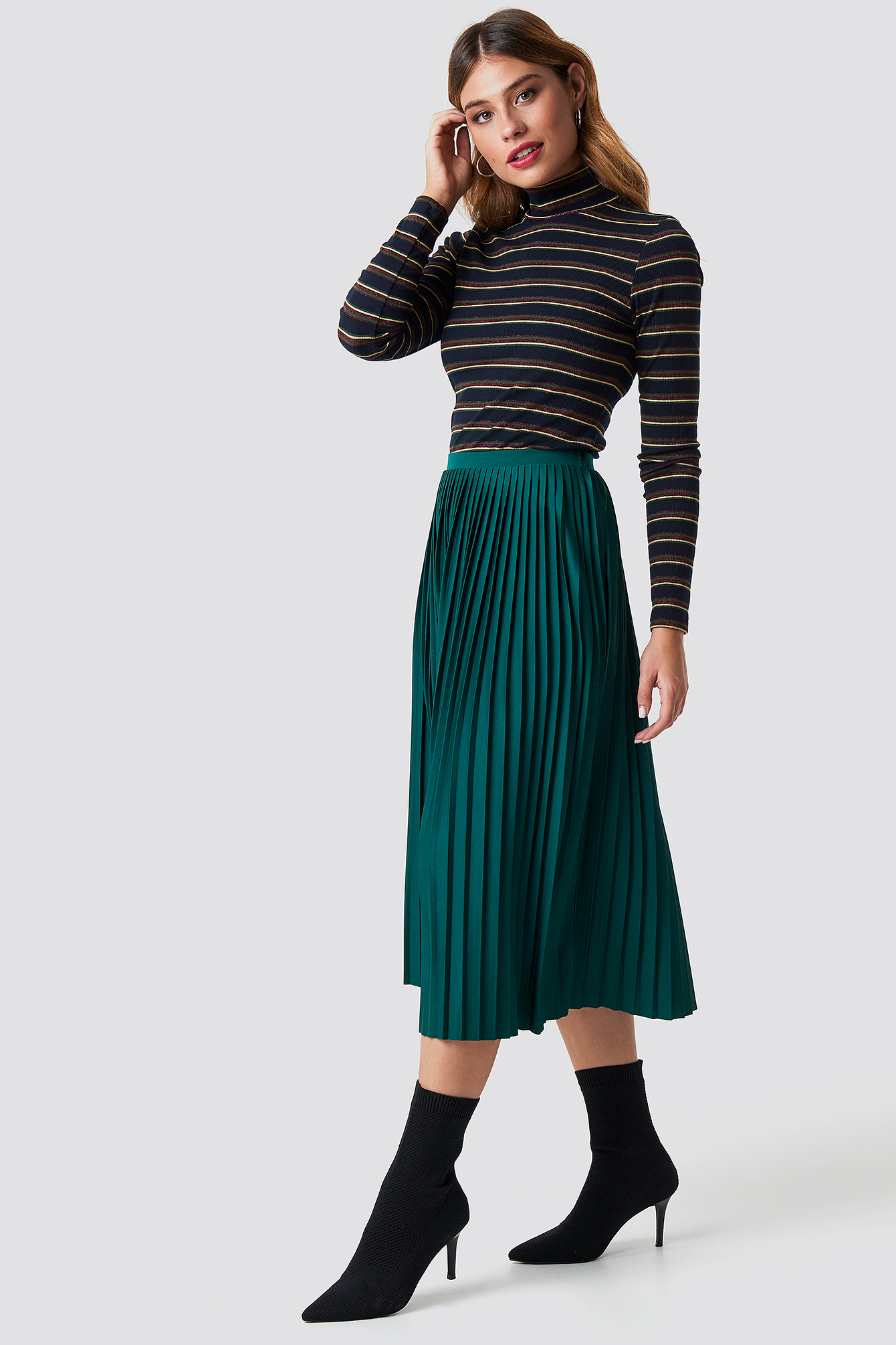 na-kd trend -  Solid Pleated Midi Skirt - Green