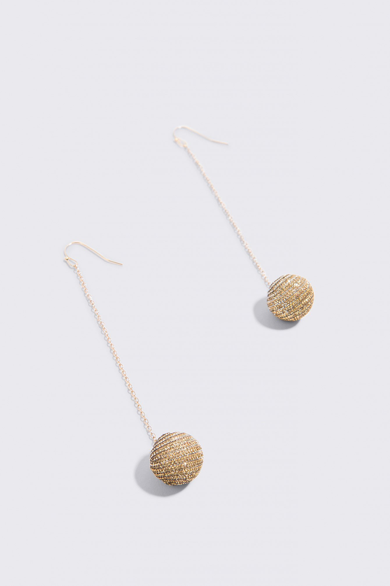 Sparkling Globe Drop Earrings NA-KD.COM
