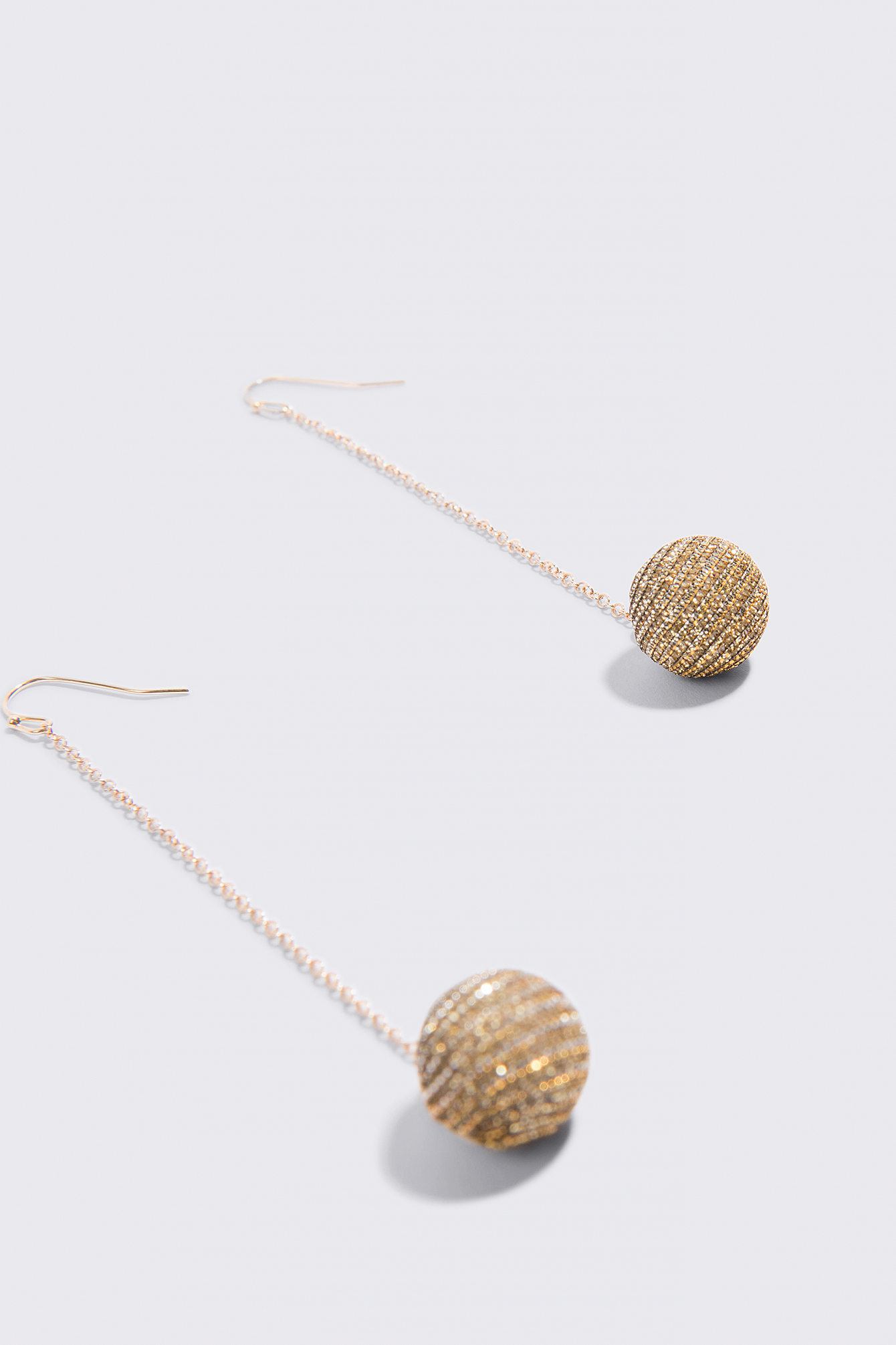 Sparkling Globe Drop Earrings NA-KD.COM