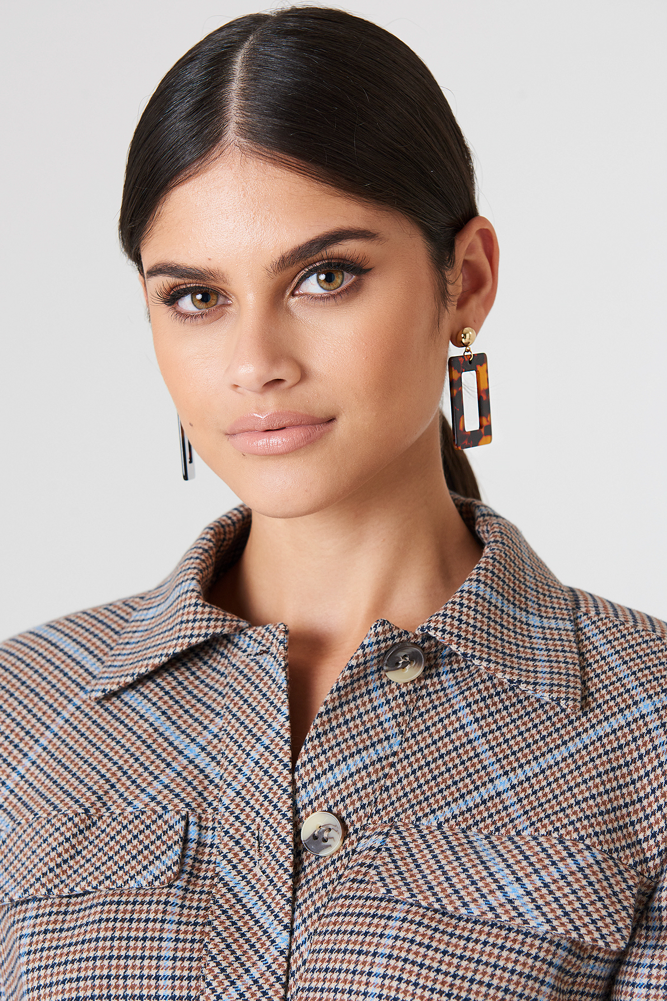 na-kd accessories -  Square Hanging Resin Earrings - Brown
