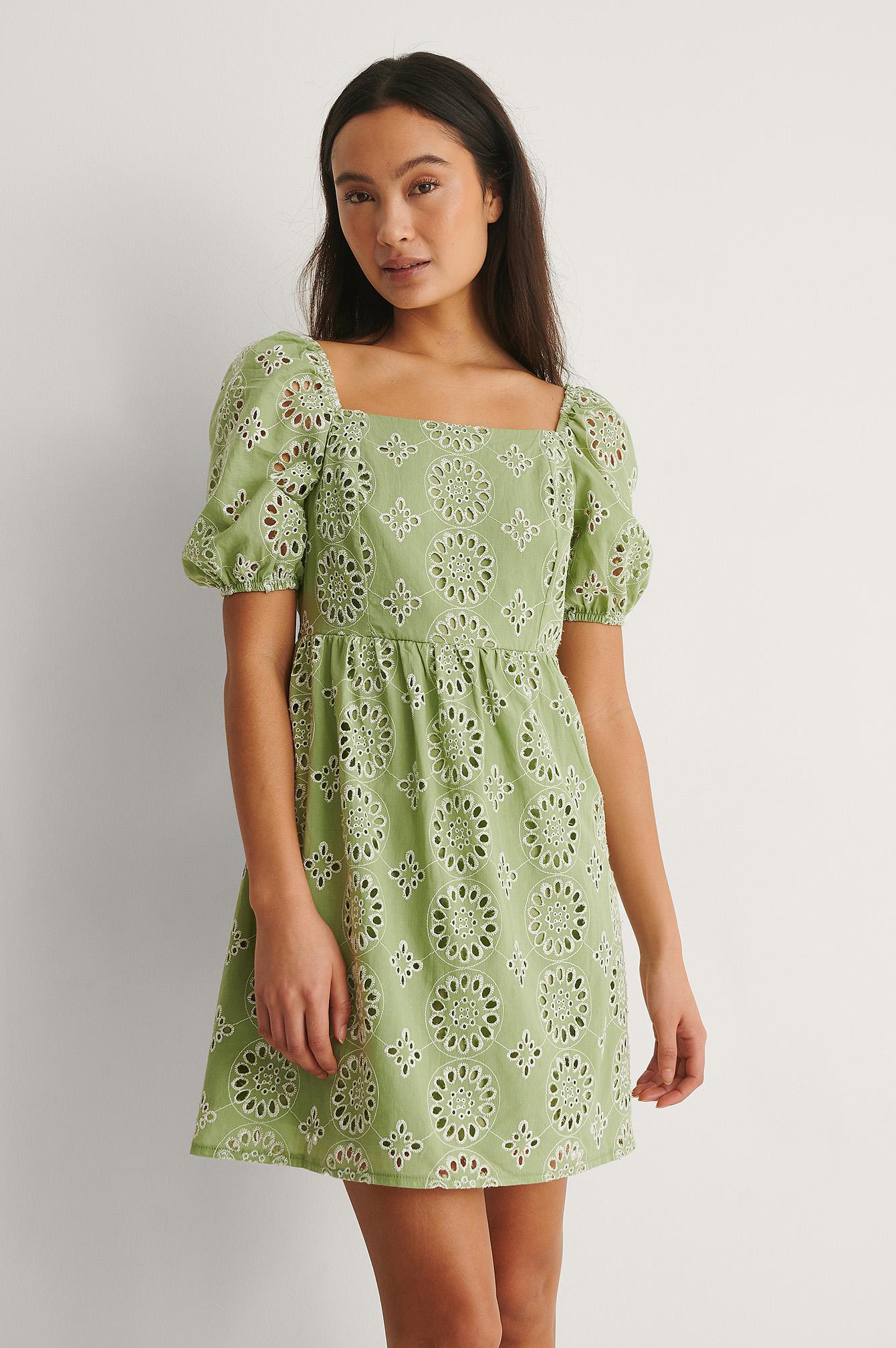 trendyol -  Kleid Mit Eckigem Ausschnitt - Green