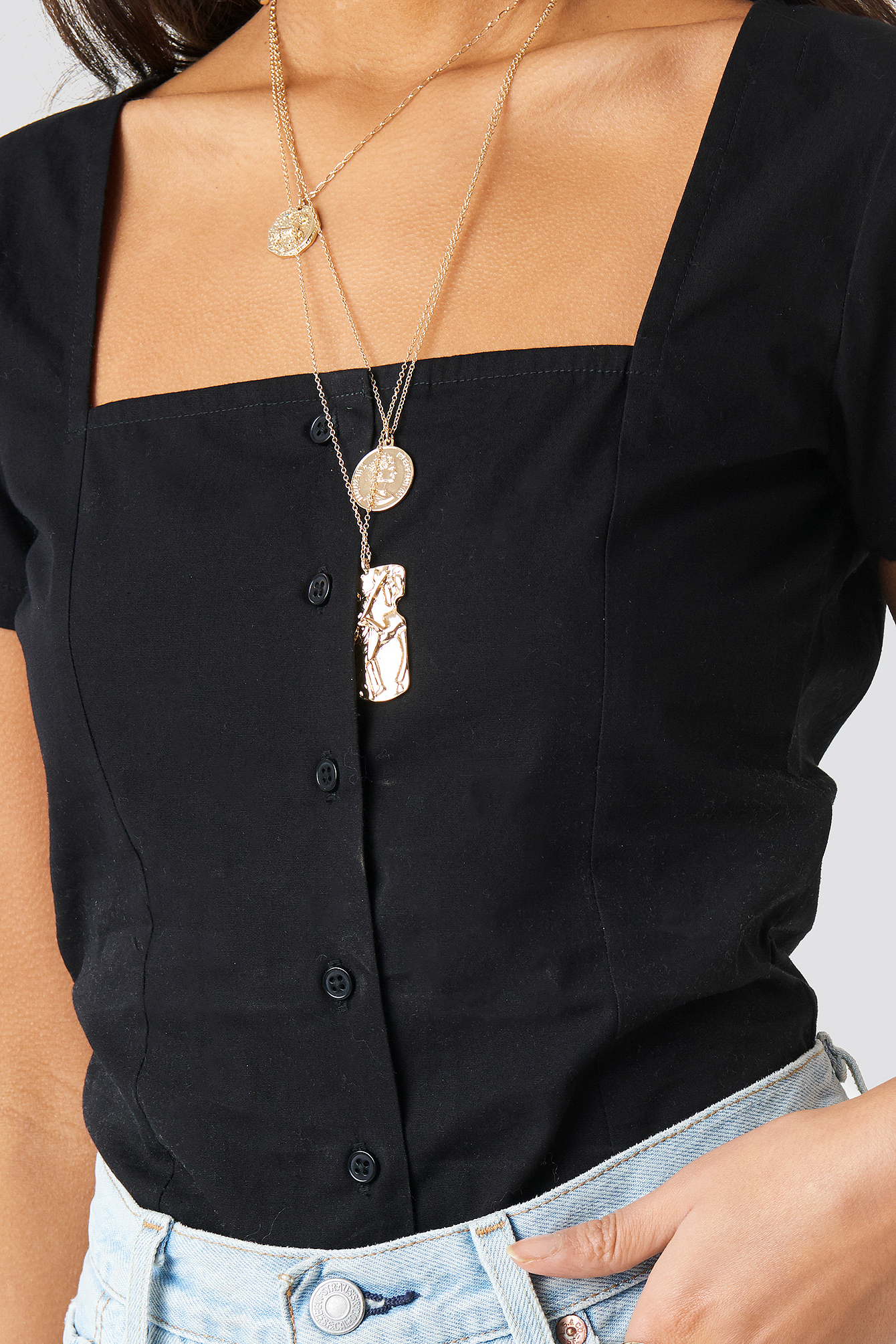 Square Neckline Buttoned Top NA-KD.COM