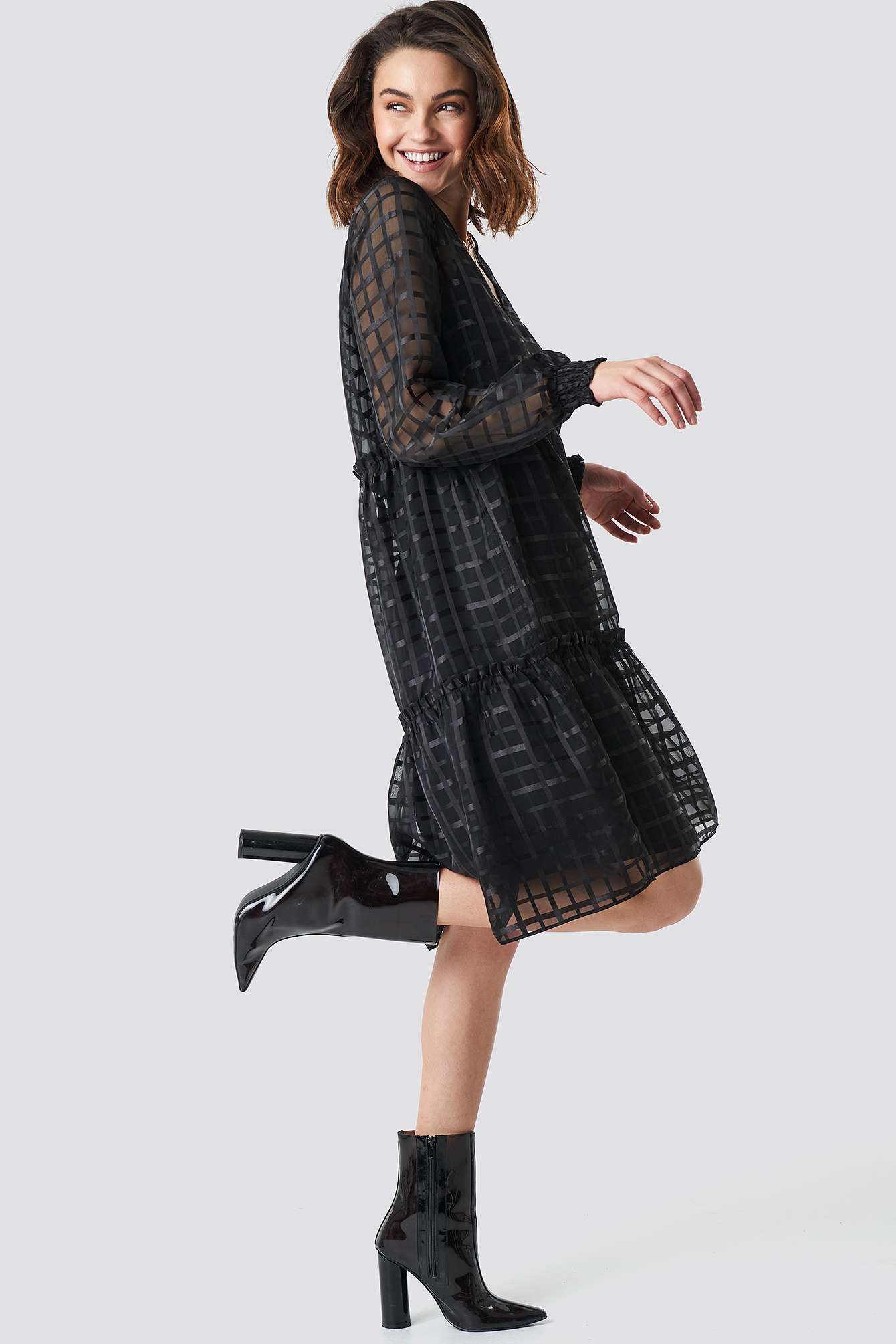 Square Patterned Flounce Dress NA-KD.COM
