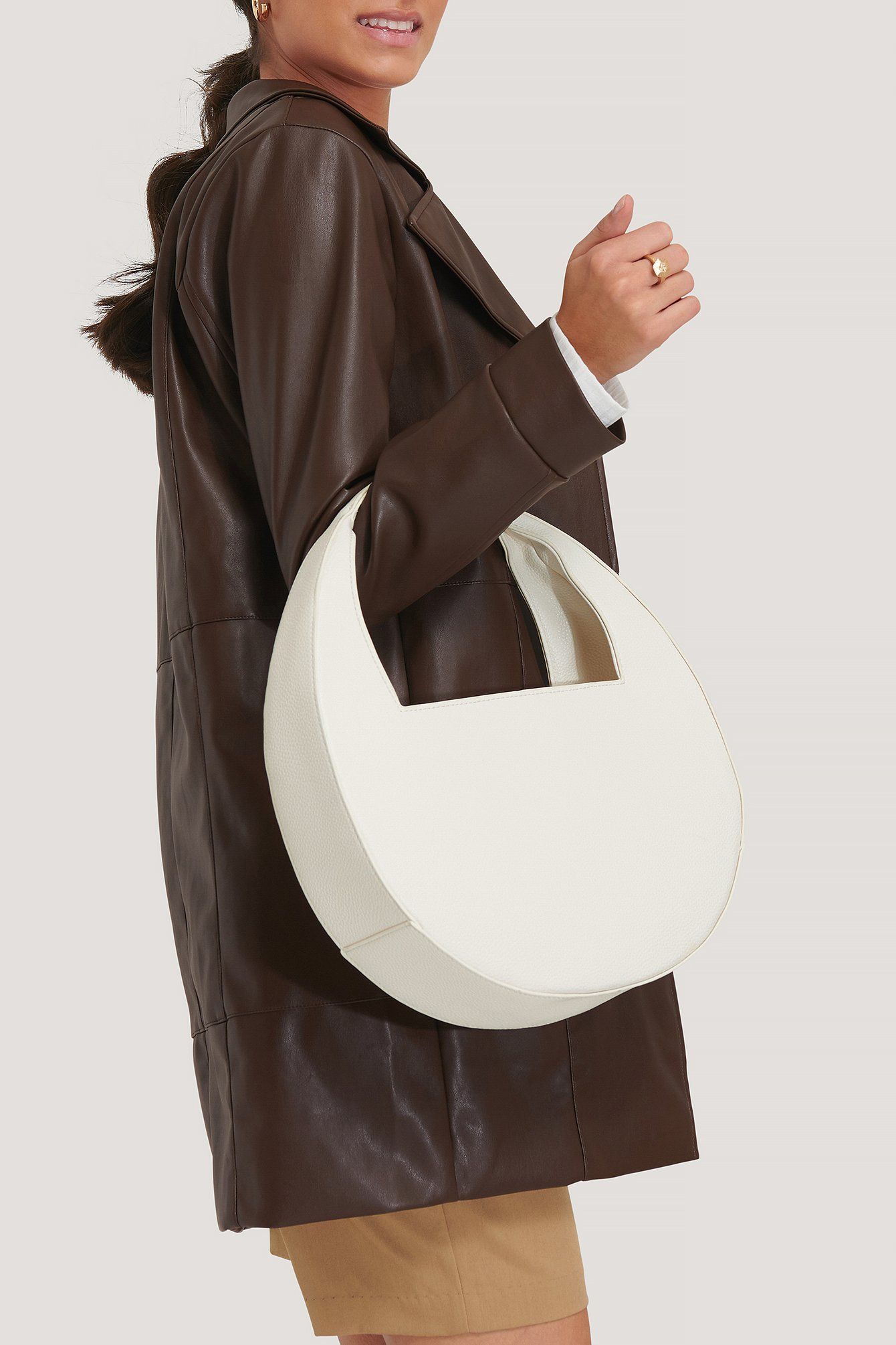 na-kd accessories -  Mondtasche Mit Quadratischem Griff - Offwhite