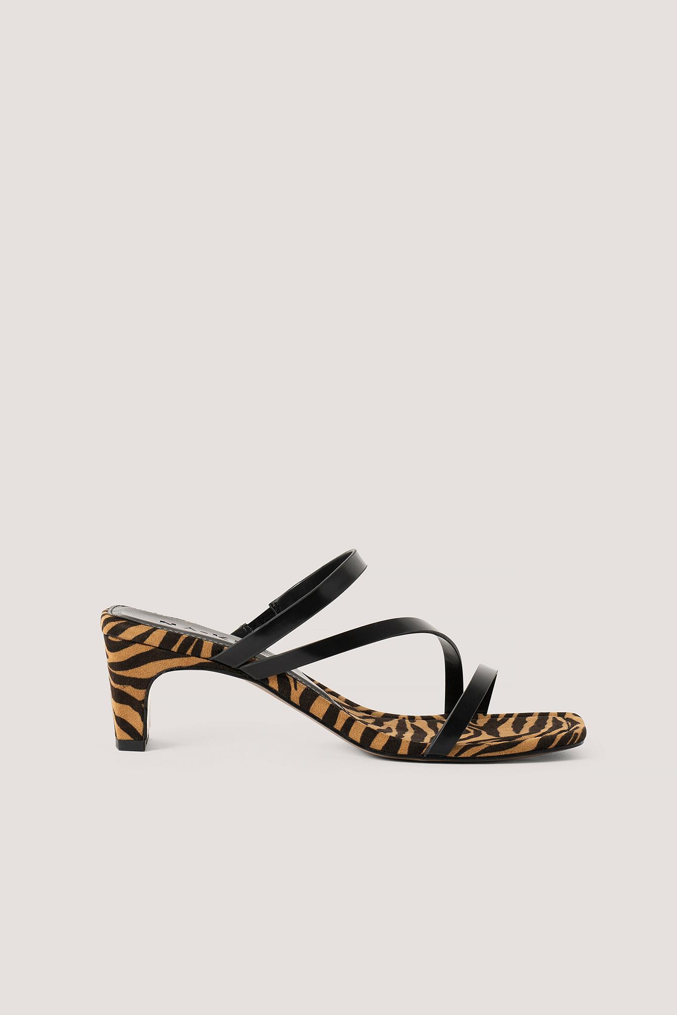 na-kd shoes -  Eckige Riemchensandalen - Brown