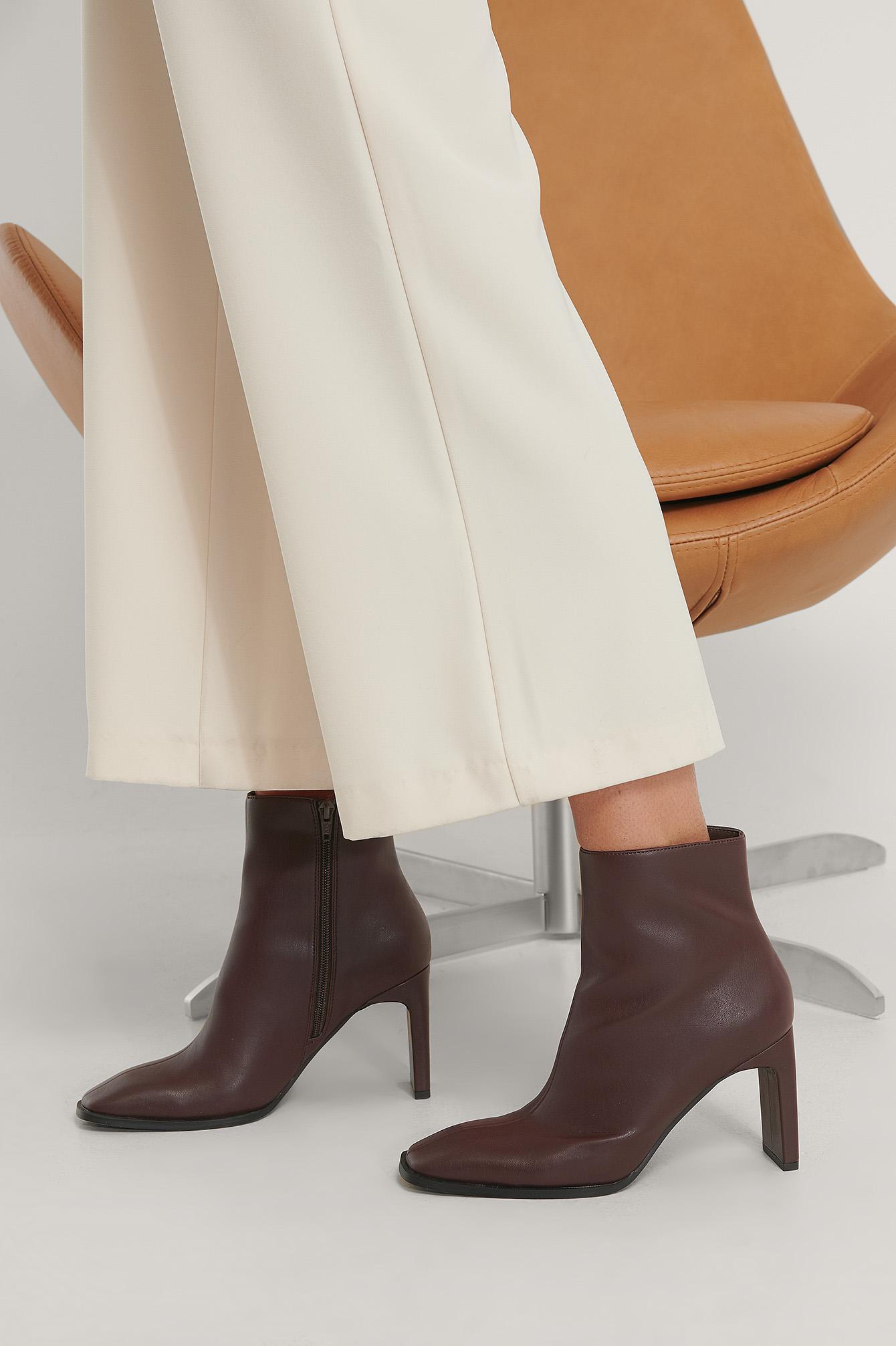 Na-Kd Squared Slanted Toe Boots Brown