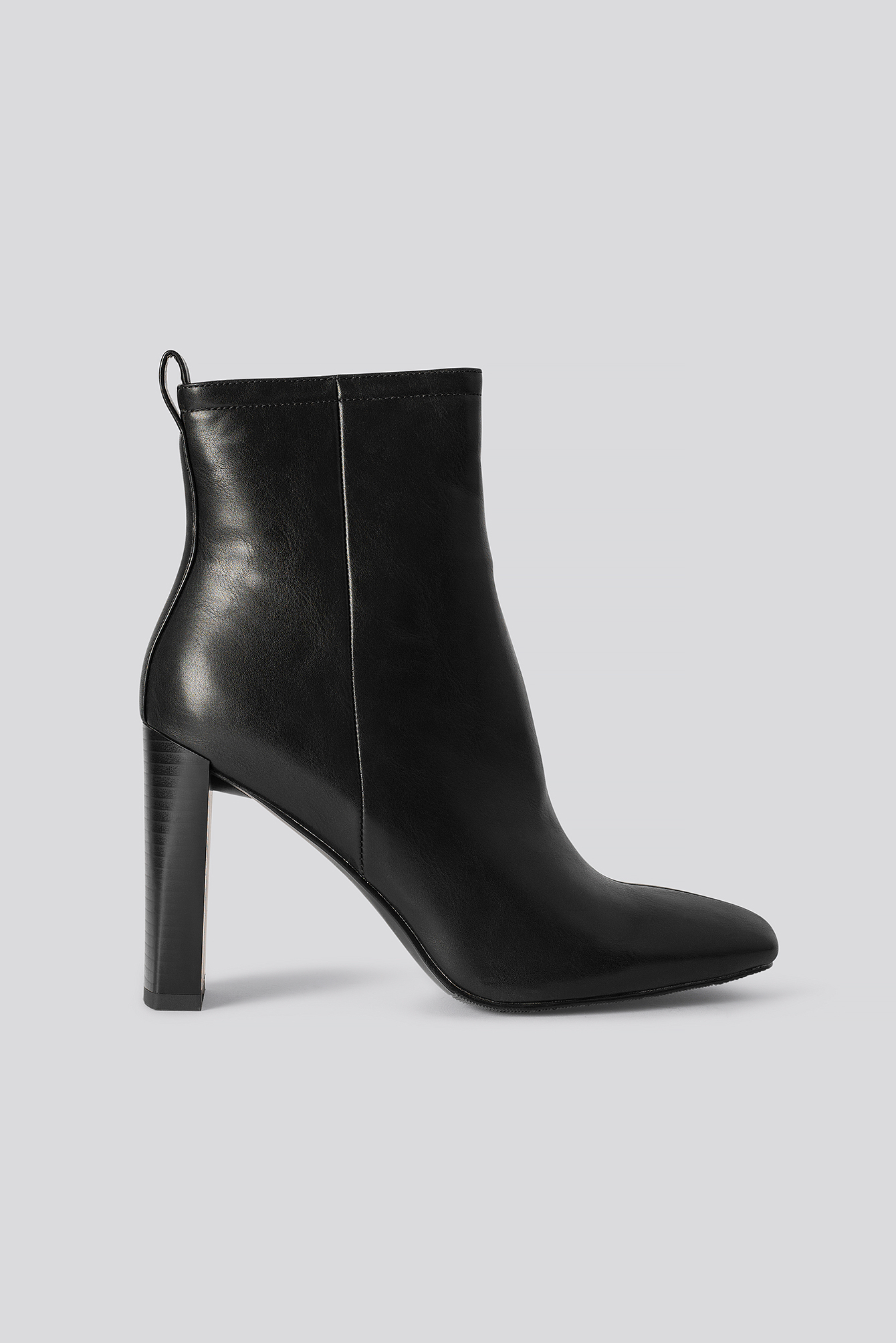 na-kd shoes -  Squared Toe Slim Heel Boots - Black