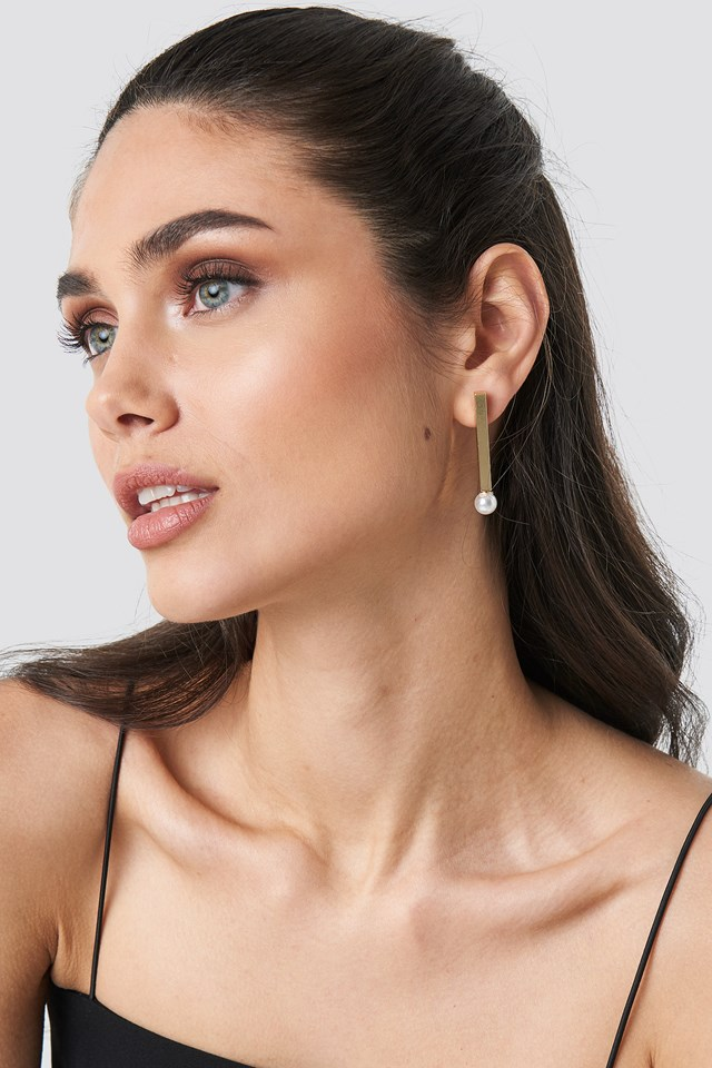 Straight Bar Pearl Earrings Gold
