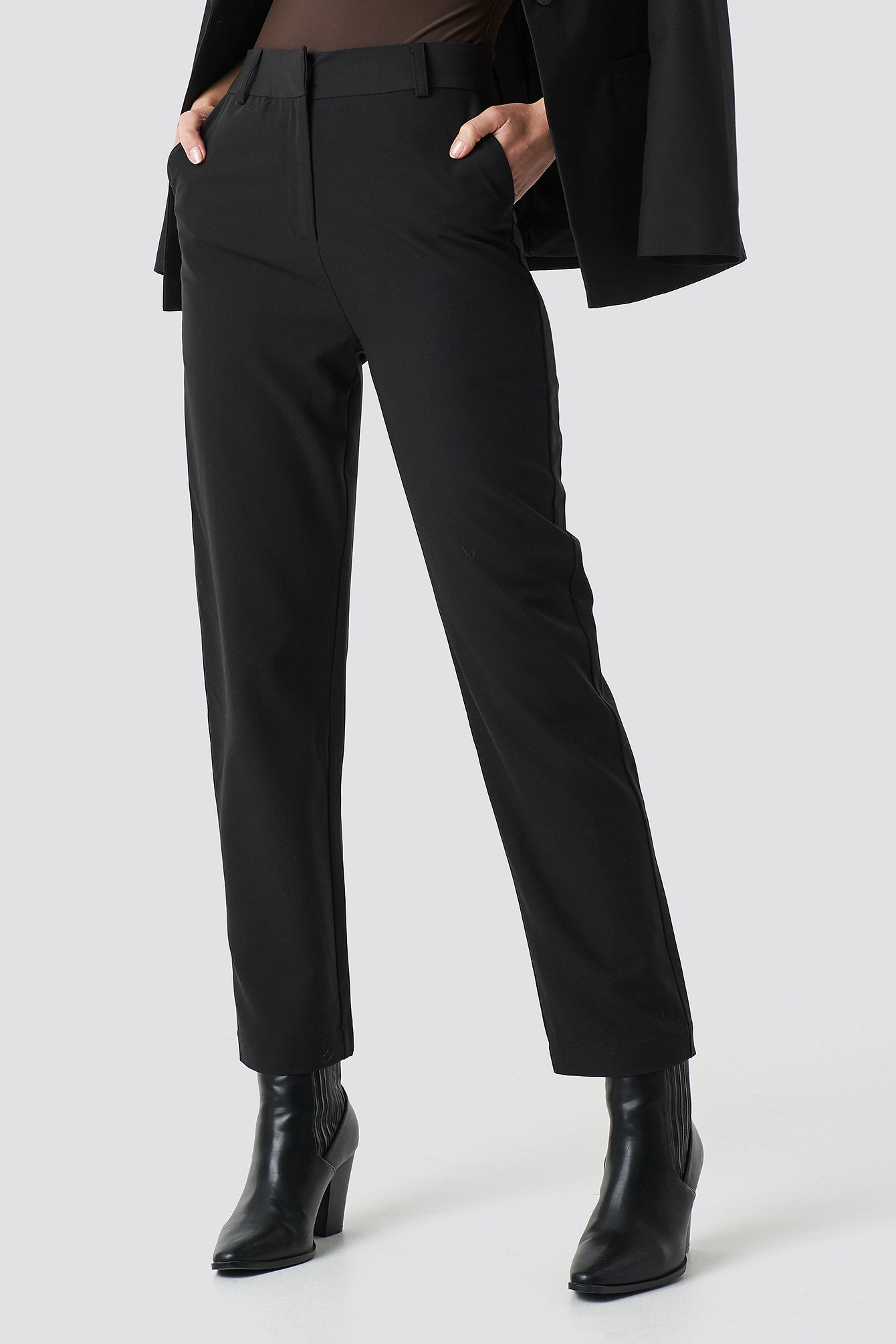 Straight Cropped Suit Pants NA-KD.COM