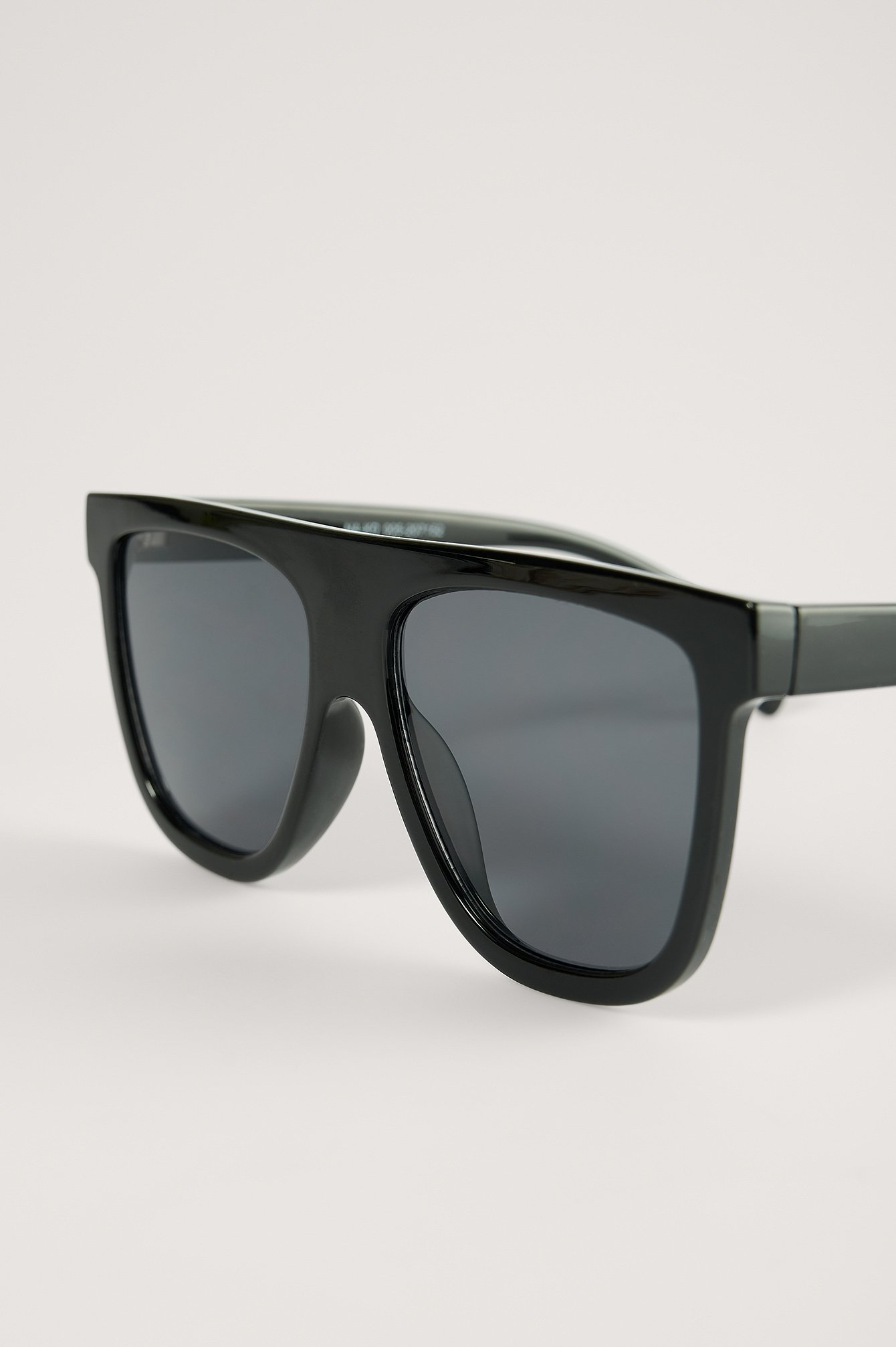 Black Straight Front Screen Sonnenbrille